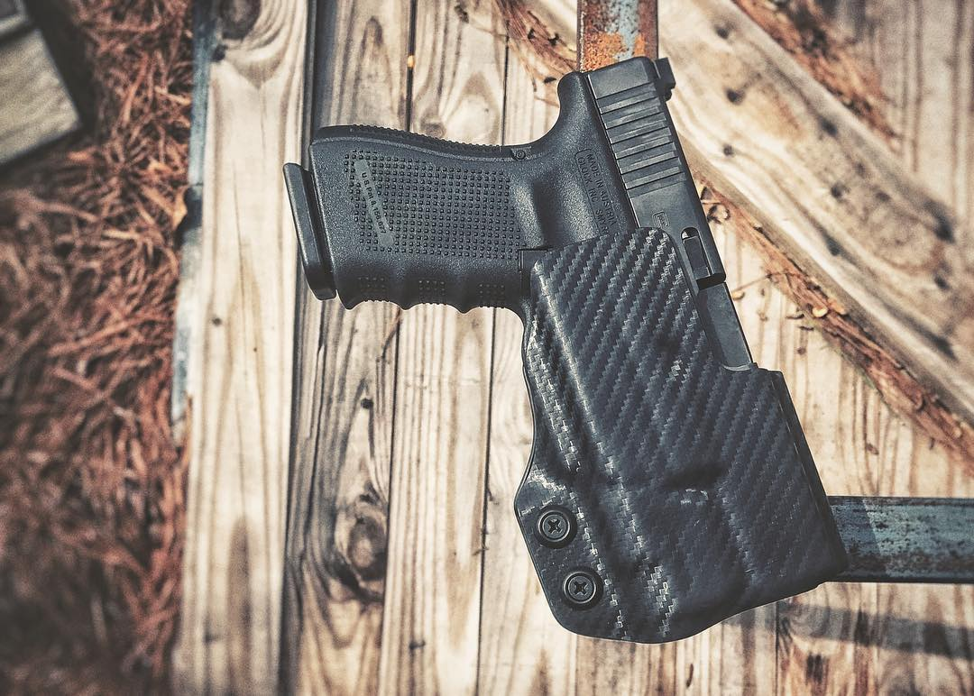 Glock 19 with APLC Competition Holster