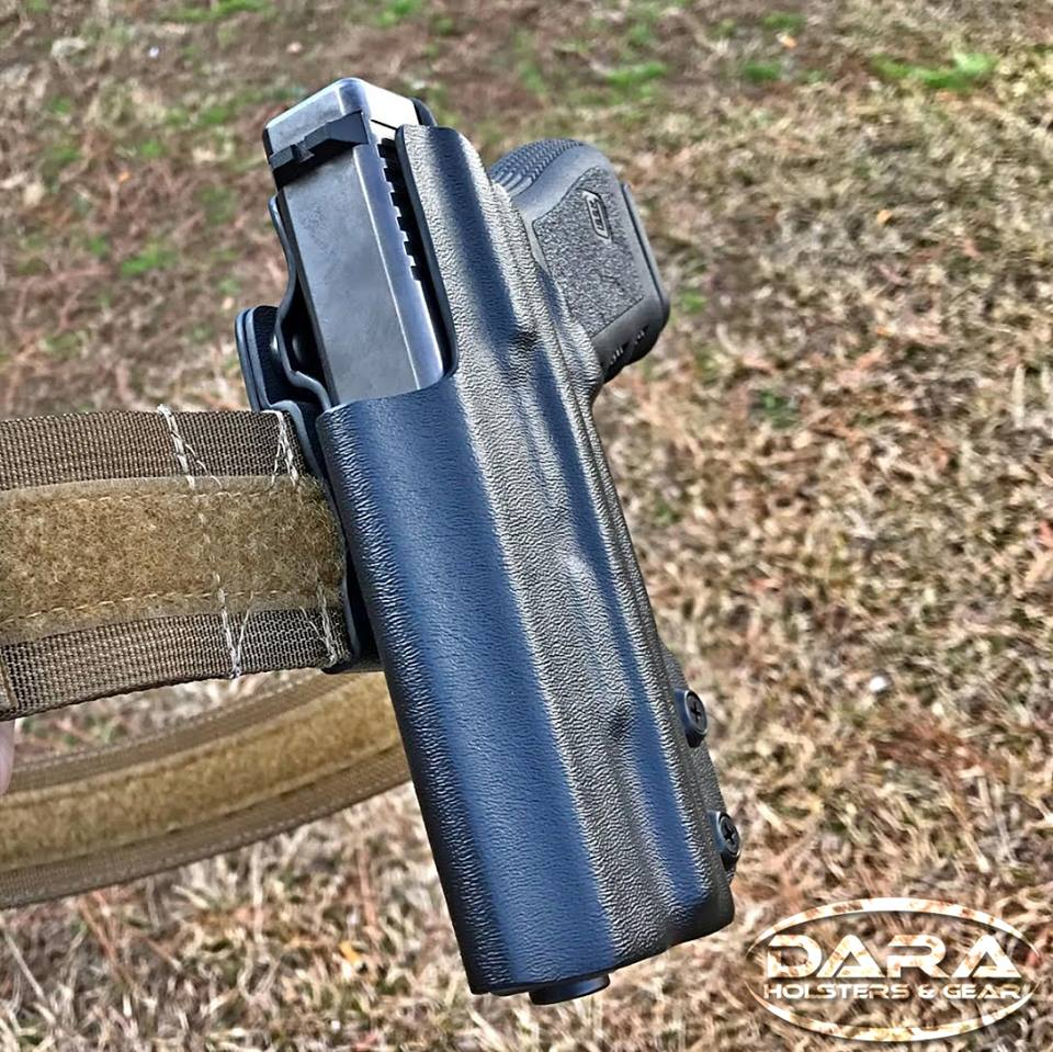 RMR cut OWB Holster for the Glock 19 with Surefire XC-1