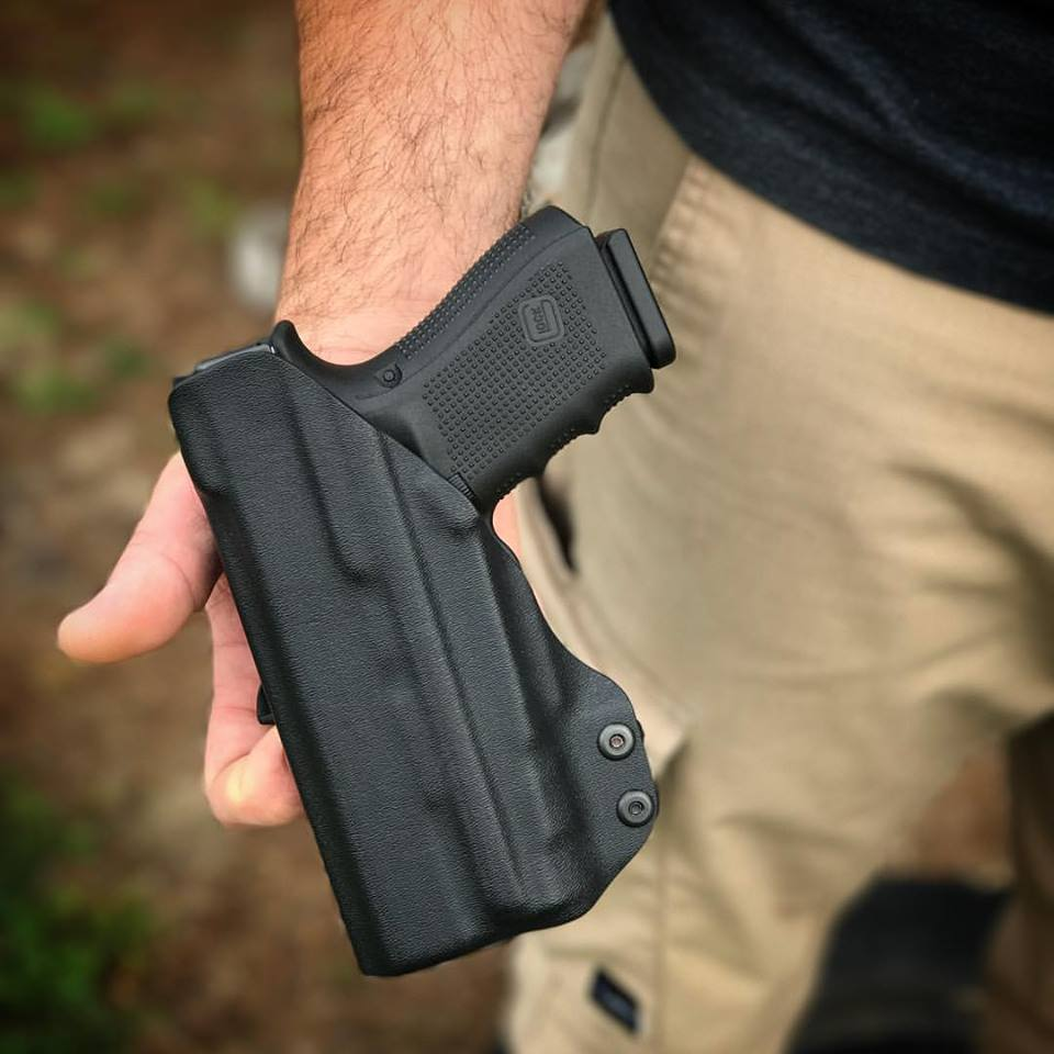 Glock 19 with Inforce APLc